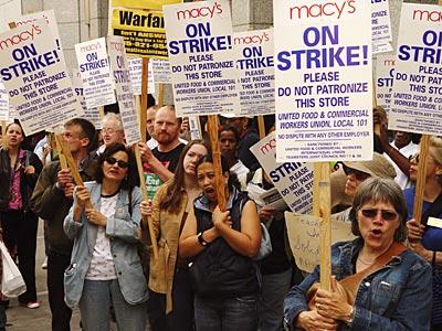 protesters.jpgnttpnw.jpg