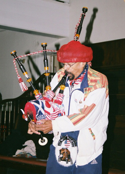 Bagpipes for Mumia by Hans Bennett