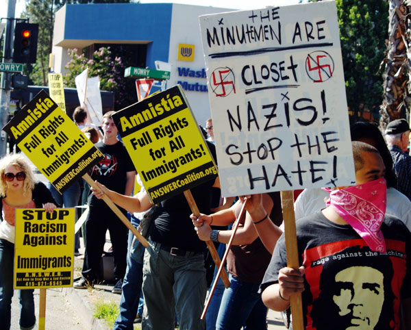 minutemen-are-nazis_7-28-06.jpg