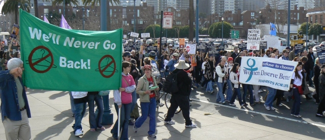 640_21_counter_protesting.jpg original image ( 1300x562)