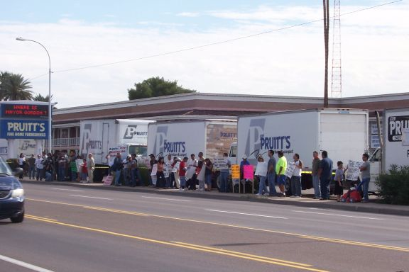 Immigration Protest At Pruitt 39 S In Phx Az 11 10 07 Photos And Audio Indybay