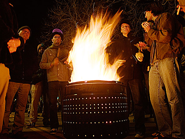 burn-barrel_12-31-07.jpg