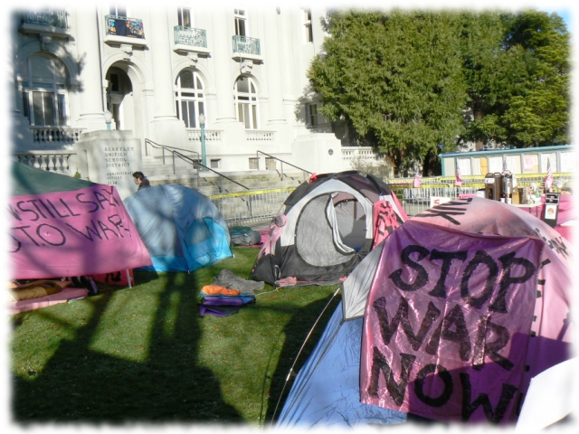 640_9_stop_war_tents.jpg original image ( 900x675)