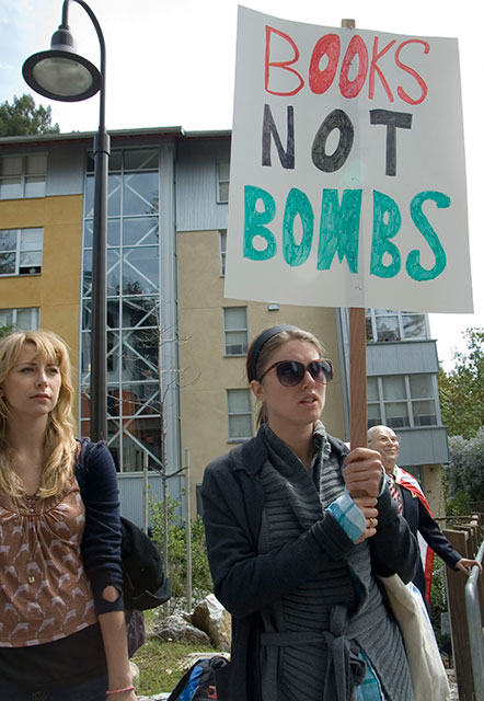 books-not-bombs_4-22-08.jpg