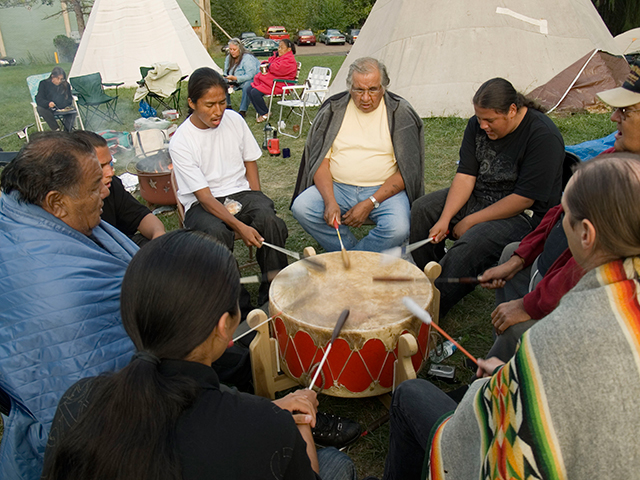 drum-ceremony_9-3-08.jpg
