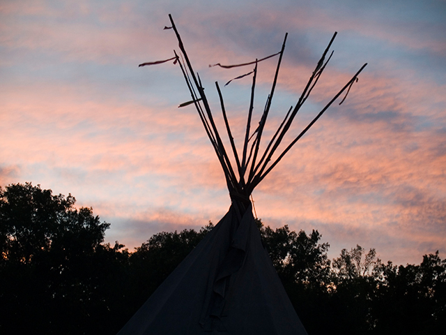 teepee-sunset_9-3-08.jpg