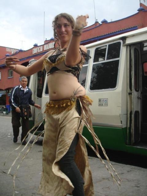 640_sali-dancing.jpg original image ( 568x758)