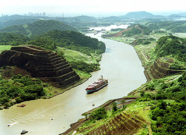 Canal generates about 30% of Panama's GDP - Panama Investor Blog
