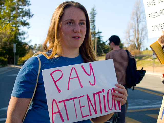 pay-attention_11-18-09.jpg