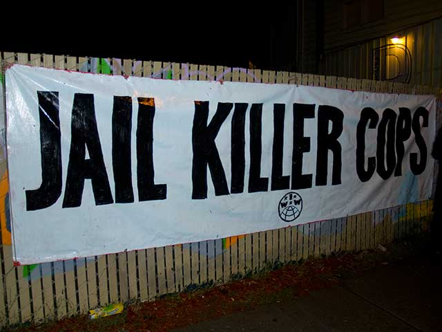 jail-killer-cops_10-23-10.jpg