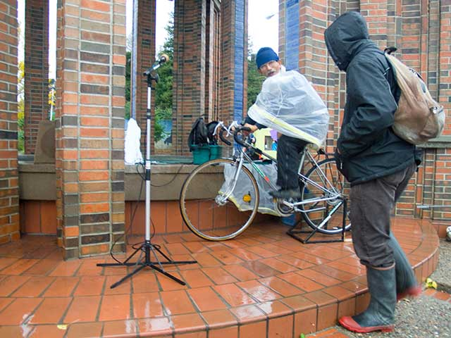 bicycle-powered-sound-system_12-18-10.jpg