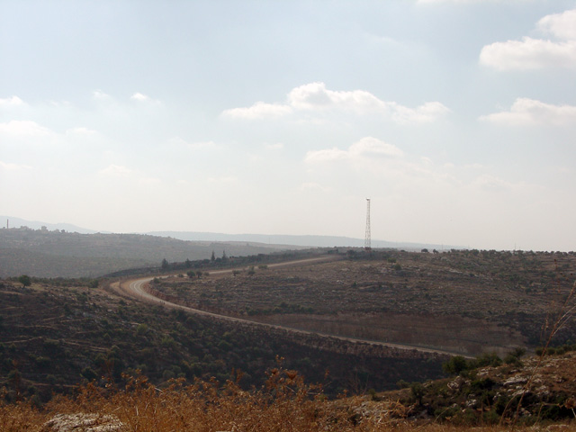 bilin_wallprotest_122410_1144_3.jpg