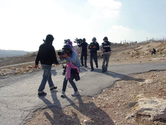 bilin_wallprotest_122410_1231_1.jpg