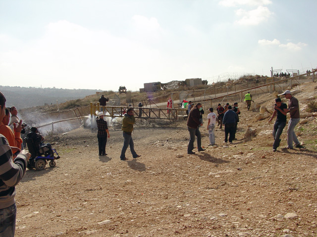 bilin_wallprotest_122410_1232_3.jpg