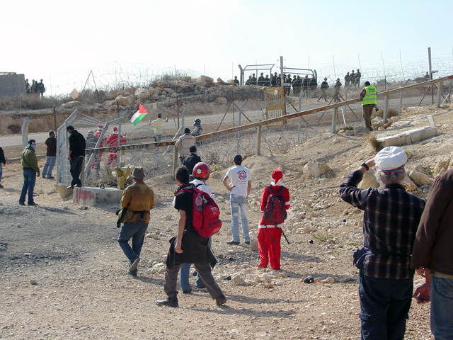 bilin_wallprotest_122410_1234.jpg