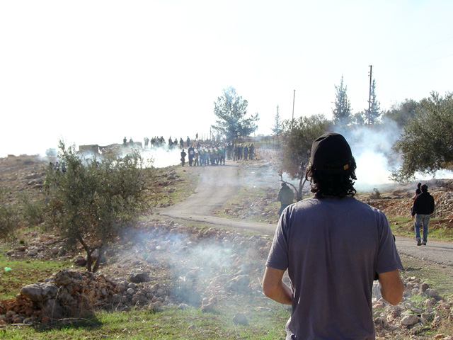 bilin_wallprotest_122410_1251_3.jpg