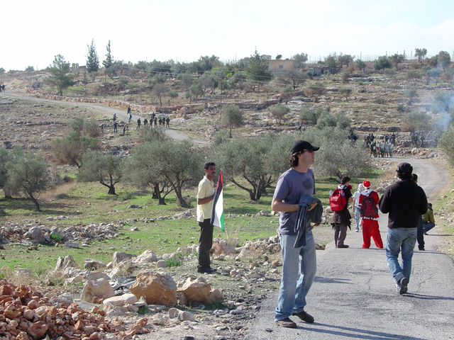 bilin_wallprotest_122410_1256_1.jpg