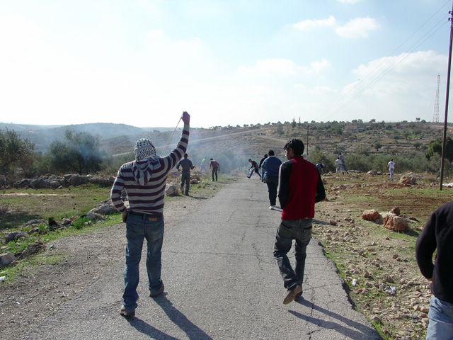 bilin_wallprotest_122410_1301_2.jpg
