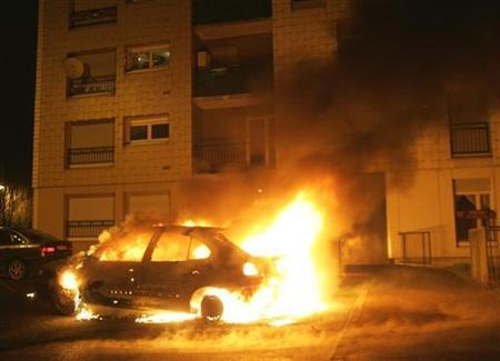 burning-car-france.jpg