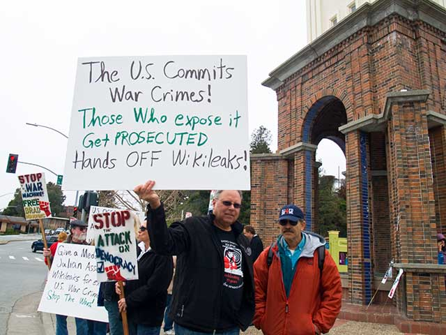 hands-off-wikileaks_1-8-11.jpg