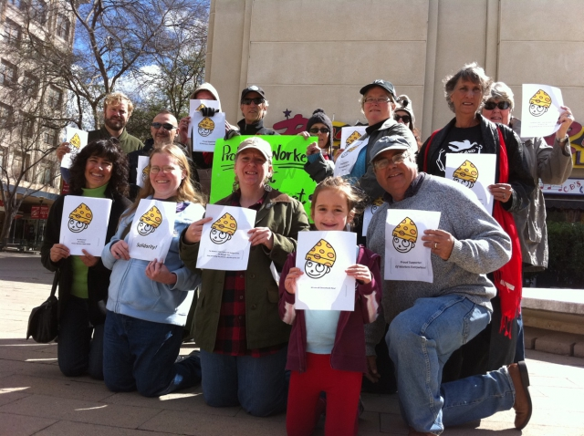 640_feb_26_fresno_fulton_mall_wi_solidarity.jpg