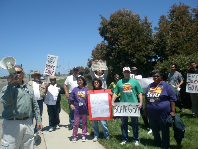 state_workers_protest_in_richmond6-30-2010.jpg