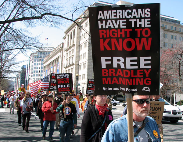 """Americans Have the Right to Know.  Free Bradley Manning"""