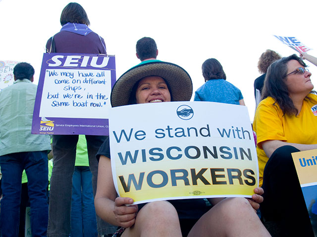 stand-wisconsin-workers_4-4-11.jpg