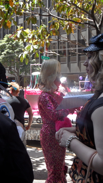sf-pride-peta-animal_protection-vegetarian_community_contingent-062611_-_14.jpg