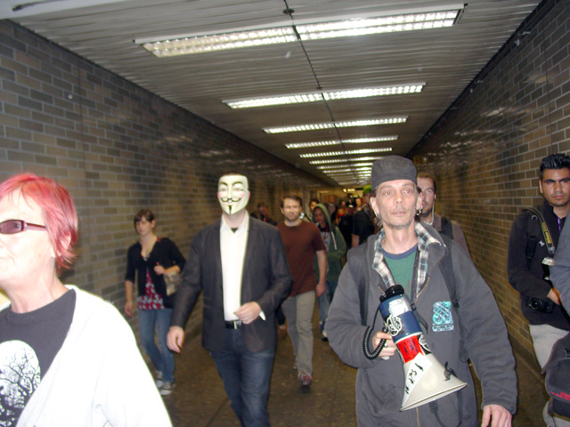anonymous_opbart5_091211180657.jpg