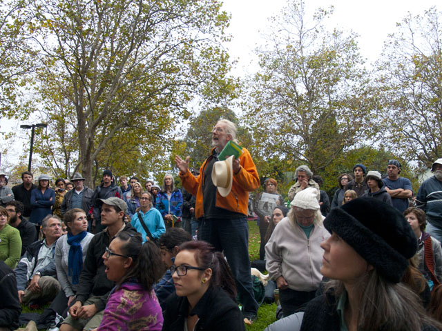 occupy-santa-cruz_14_10-4-11.jpg
