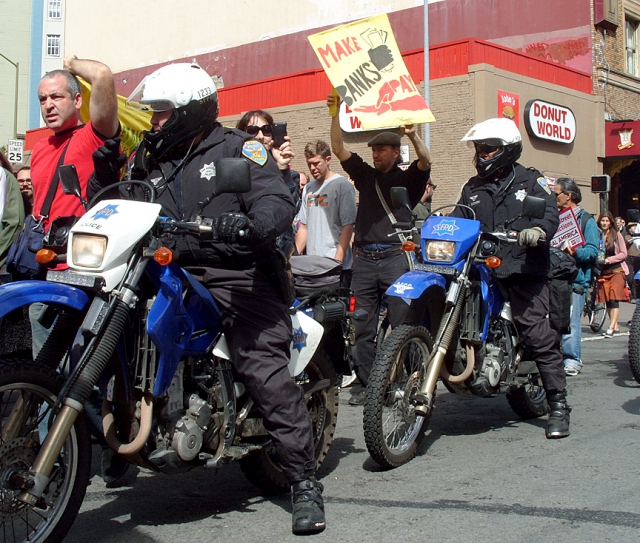 640_occupysf01-copdonuts5382.jpg