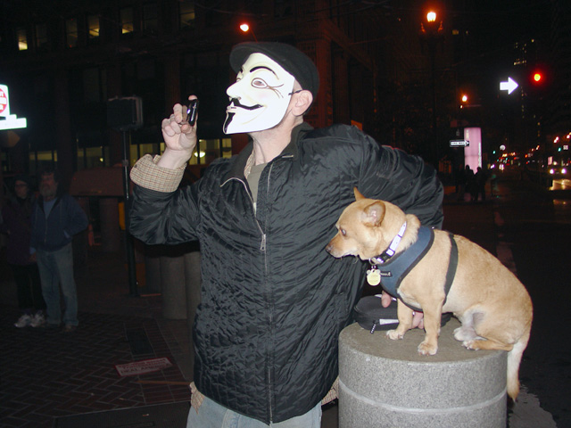 occupysf_policeraid_100611014048.jpg