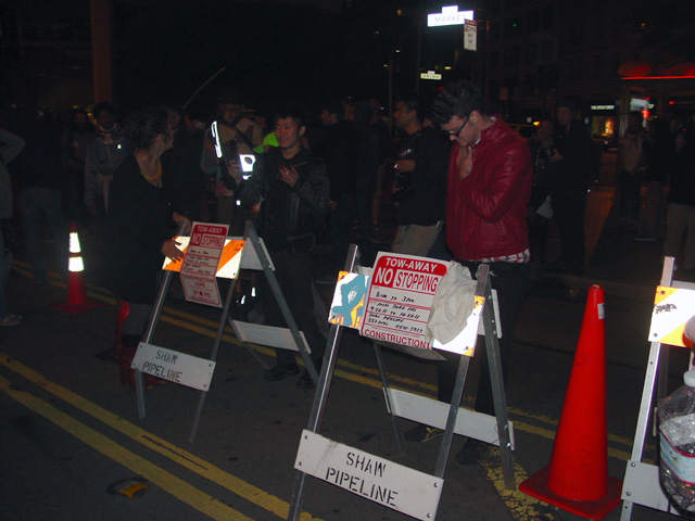 occupysf_policeraid_100611015411.jpg