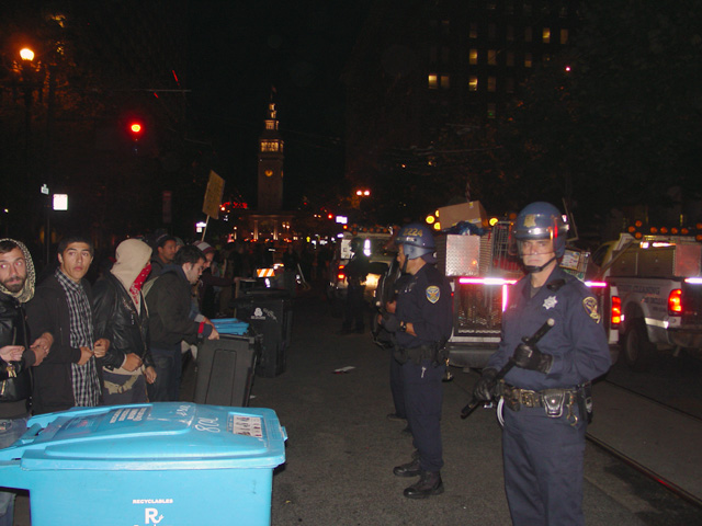 occupysf_policeraid_100611015908.jpg