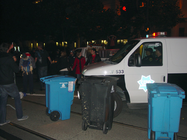 occupysf_policeraid_100611020043.jpg
