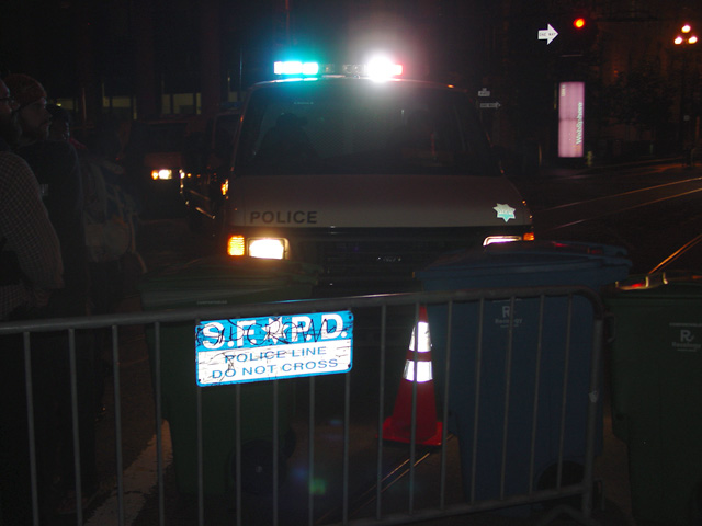 occupysf_policeraid_100611020610.jpg