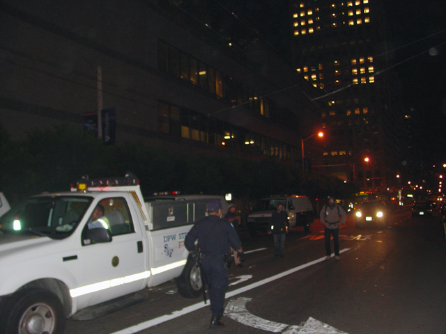 occupysf_policeraid_100611021112.jpg