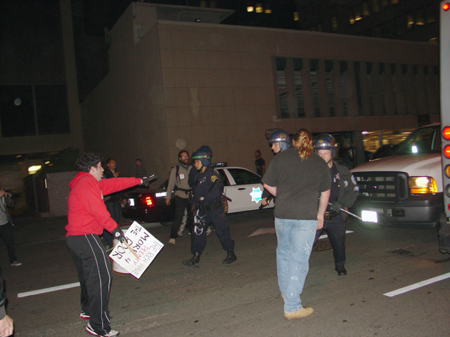 occupysf_policeraid_100611021338.jpg
