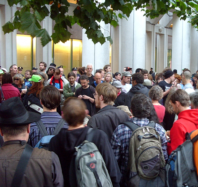 640_occupyfed-crowd5519.jpg