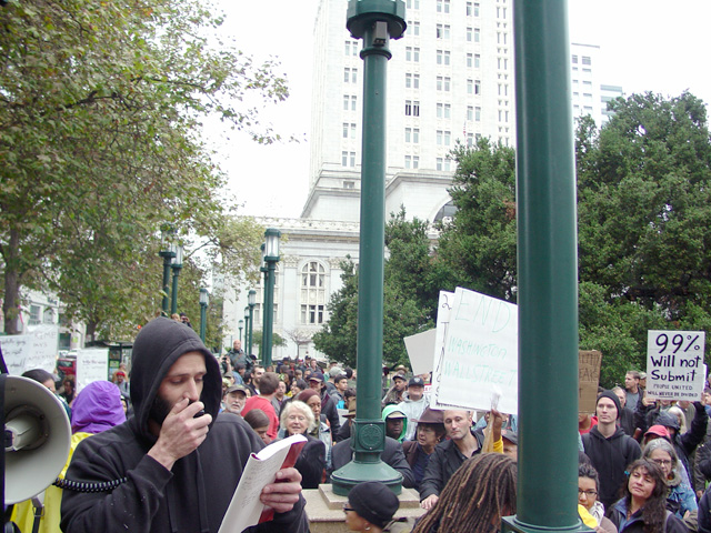 occupyoakland_day001_101011163320.jpg