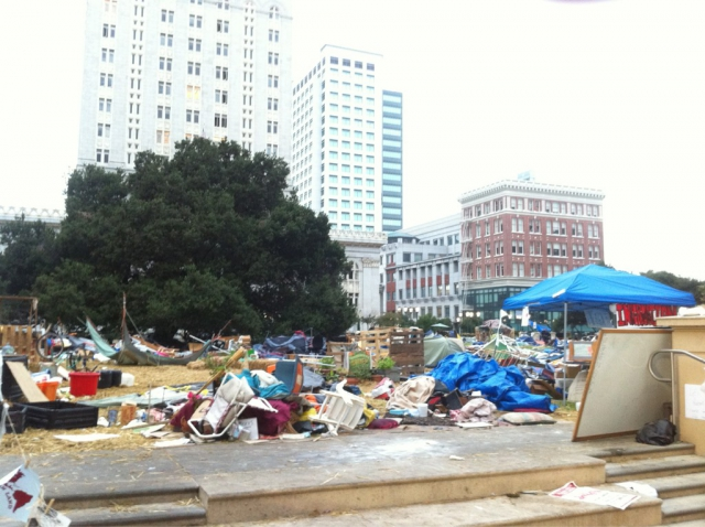 640_occupy-oakland-after-raid.jpg original image ( 1024x765)