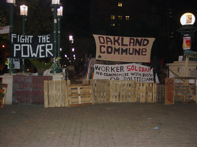 occupyoakland-day016-raid-102511030312.jpg