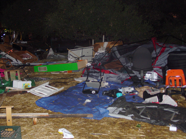 occupyoakland-day016-raid-102511051153.jpg
