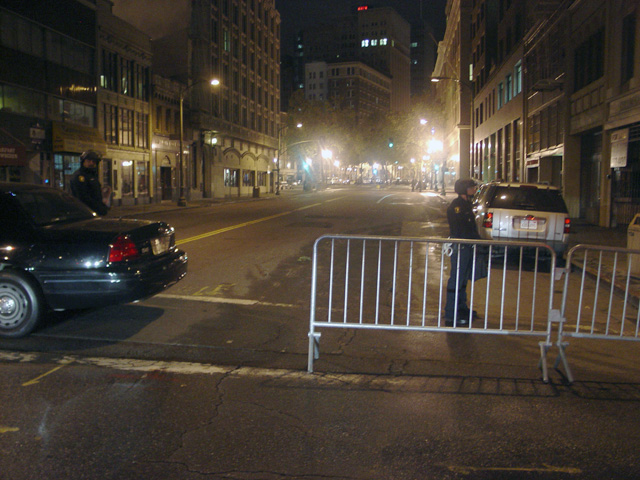 occupyoakland-day016-raid-102511052355.jpg