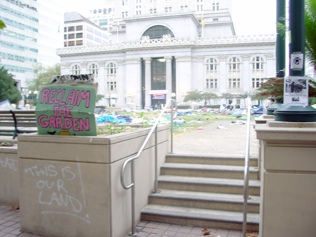 occupyoakland-day016-raid-102511073524.jpg