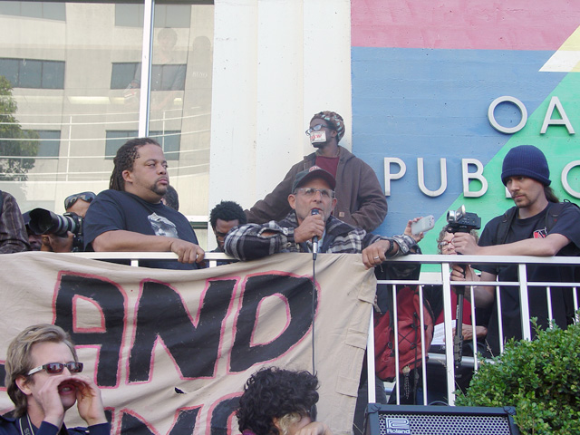 occupyoakland-day016-libraryandmarch-102511163034.jpg