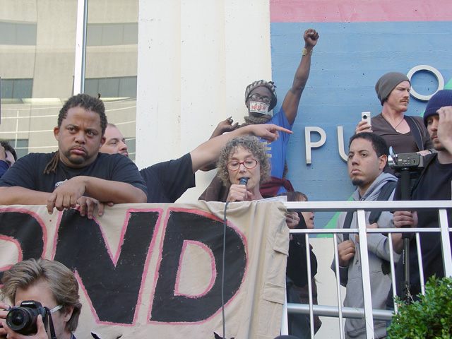 occupyoakland-day016-libraryandmarch-102511164527.jpg