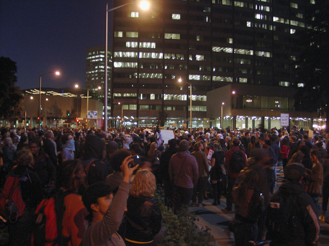 occupyoakland-day016-libraryandmarch-102511185517.jpg