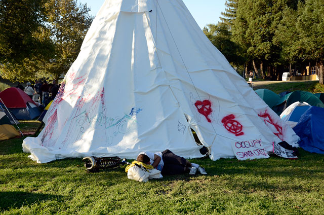 oct-23-occupy-santa-cruz-5.jpg
